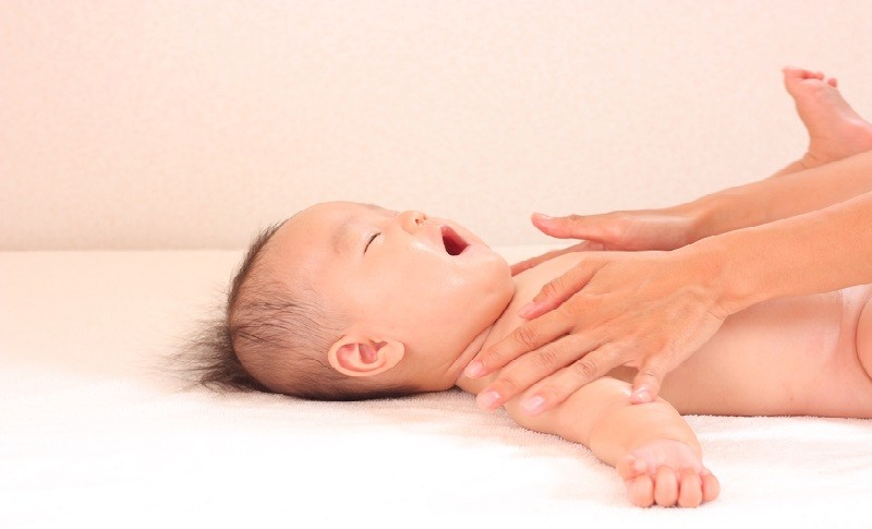 笑っている赤ちゃんの画像